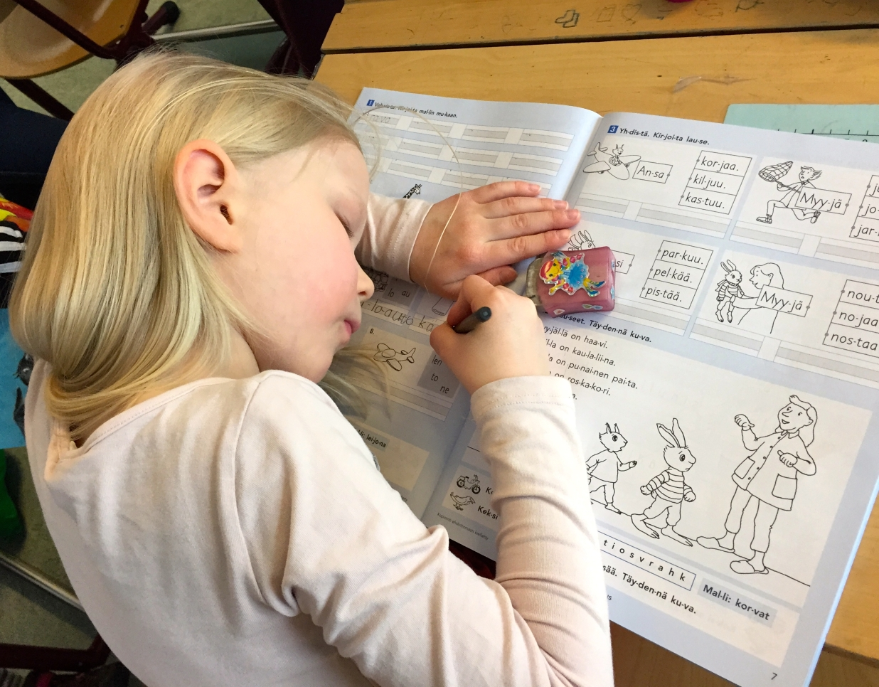 Kids are given books free of charge. High-quality workbooks are used much more than photocopies of worksheets.